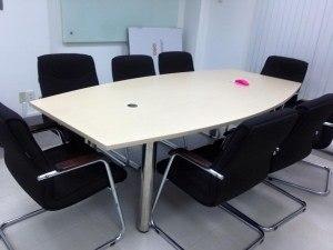 Thanh lý bàn ghế văn phòng ở Nguyễn Văn Cừ, Long Biên