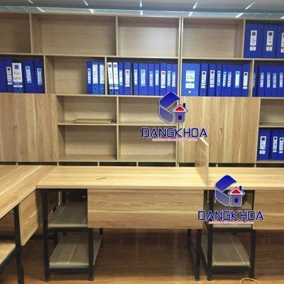 Thiết kế chân sắt hiện đại tại nội thất văn phòng Đăng Khoa
